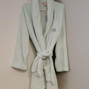 NWT Victoria's Secret plush short robe. Size M/L